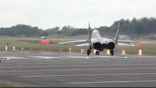 Spectacular Vertical Takeoff -  MiG-29